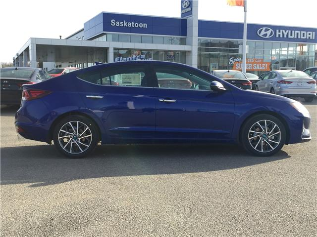2019 Hyundai Elantra Luxury (Stk: 39114) in Saskatoon - Image 2 of 25