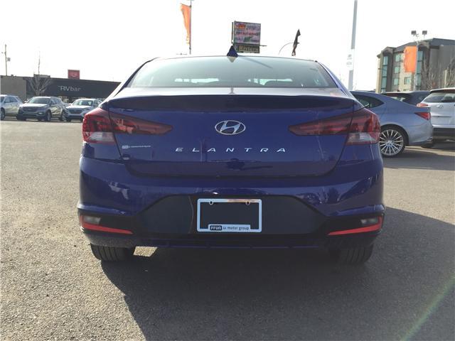 2019 Hyundai Elantra Luxury (Stk: 39114) in Saskatoon - Image 4 of 25