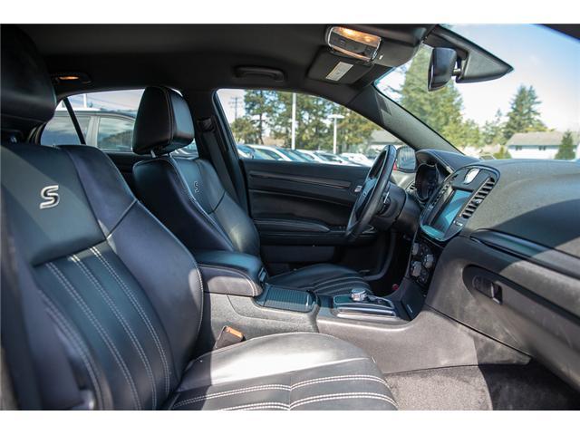 2015 Chrysler 300 S (Stk: JA587653A) in Surrey - Image 19 of 27