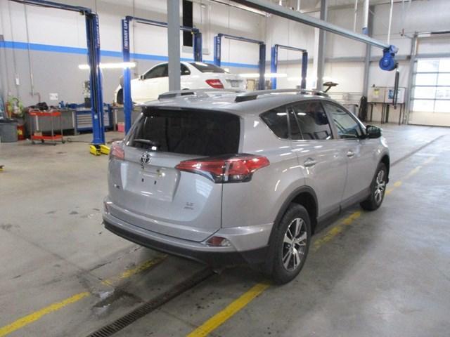 2018 Toyota RAV4 LE (Stk: MX1058) in Ottawa - Image 3 of 20