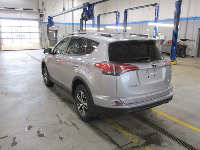 2018 Toyota RAV4 LE (Stk: MX1058) in Ottawa - Image 5 of 20