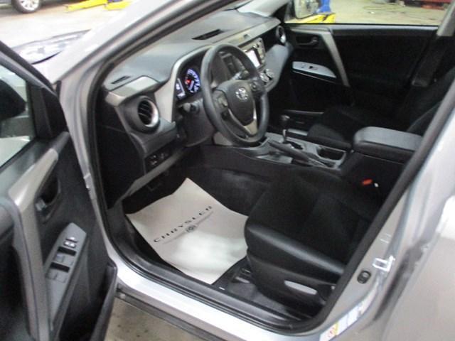 2018 Toyota RAV4 LE (Stk: MX1058) in Ottawa - Image 9 of 20