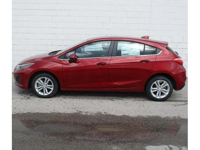 2019 Chevrolet Cruze LT (Stk: 19501) in Peterborough - Image 2 of 3
