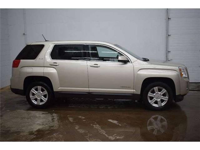 2014 GMC Terrain SLE - BACKUP CAM * TOUCH SCREEN * SAT RADIO (Stk: B3765) in Cornwall - Image 1 of 30