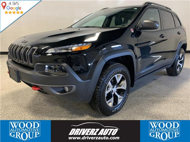2018 Jeep Cherokee Trailhawk (Stk: P12002) in Calgary - Image 1 of 18