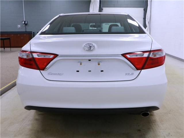 2016 Toyota Camry XLE (Stk: 195236) in Kitchener - Image 21 of 30