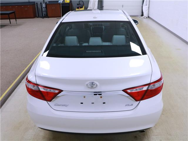 2016 Toyota Camry XLE (Stk: 195236) in Kitchener - Image 22 of 30