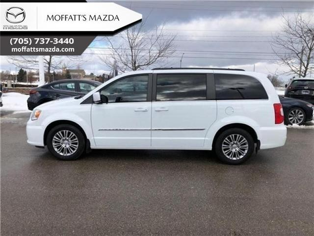 2014 Chrysler Town & Country Touring-L (Stk: P6682A) in Barrie - Image 2 of 22