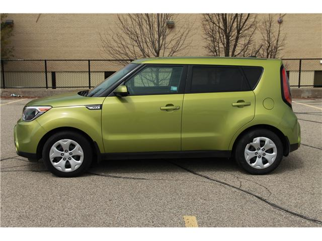 2016 Kia Soul LX (Stk: 1904130) in Waterloo - Image 2 of 25