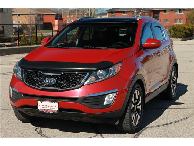 2012 Kia Sportage SX (Stk: 1904125) in Waterloo - Image 1 of 30