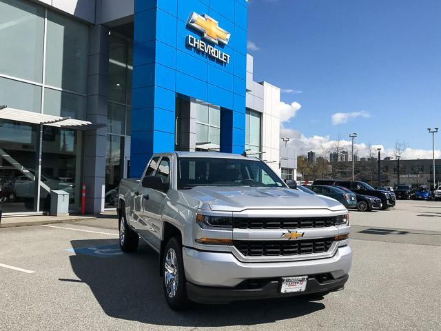 2019 Chevrolet Silverado 1500 LD Silverado Custom (Stk: 9L35810) in North Vancouver - Image 2 of 11