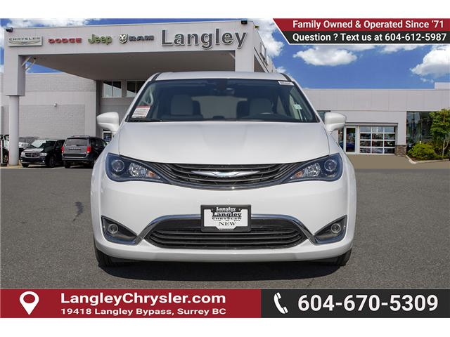 2018 Chrysler Pacifica Hybrid Touring Plus (Stk: J175665) in Surrey - Image 2 of 25