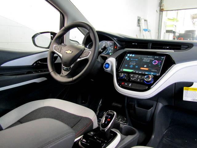 2019 Chevrolet Bolt EV LT (Stk: B9-00460) in Burnaby - Image 4 of 11