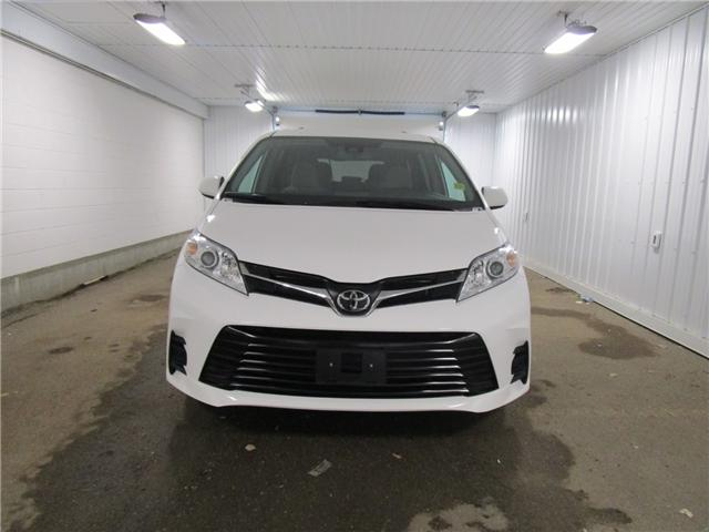 2019 Toyota Sienna LE 8-Passenger (Stk: F170628 ) in Regina - Image 2 of 32