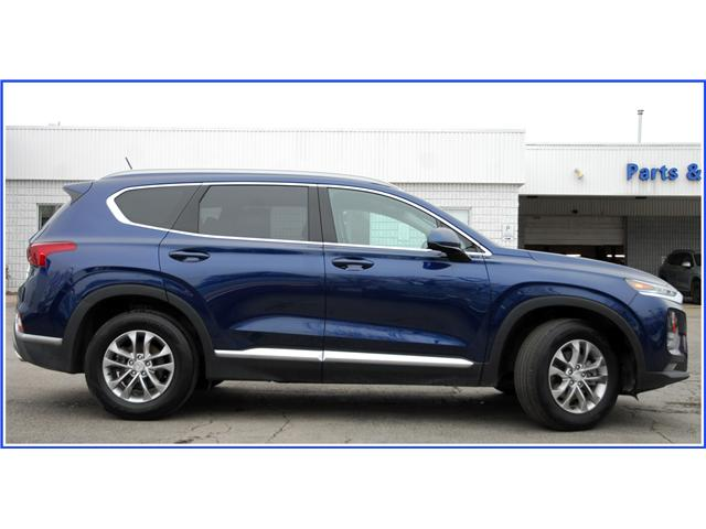 2019 Hyundai Santa Fe ESSENTIAL (Stk: OP3857R) in Kitchener - Image 2 of 13