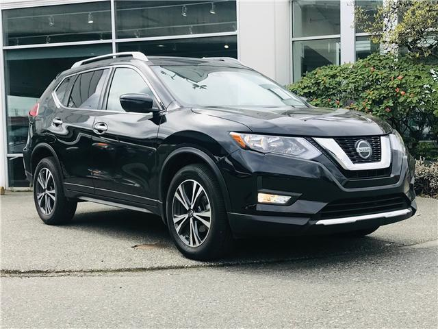 2019 Nissan Rogue SV (Stk: LF010100) in Surrey - Image 2 of 30