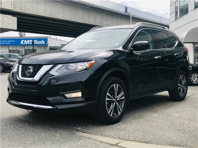 2019 Nissan Rogue SV (Stk: LF010100) in Surrey - Image 4 of 30