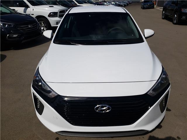 2019 Hyundai Ioniq Plug-In Hybrid Preferred (Stk: 29154) in Saskatoon - Image 2 of 19