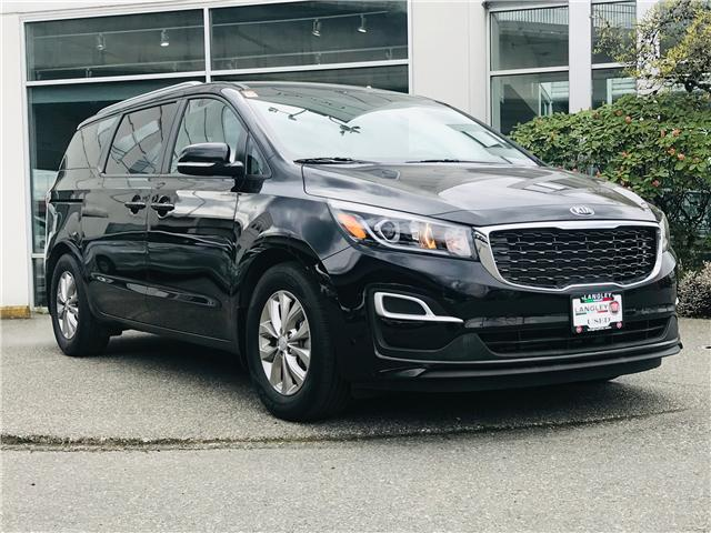 2019 Kia Sedona LX (Stk: LF010070) in Surrey - Image 2 of 30