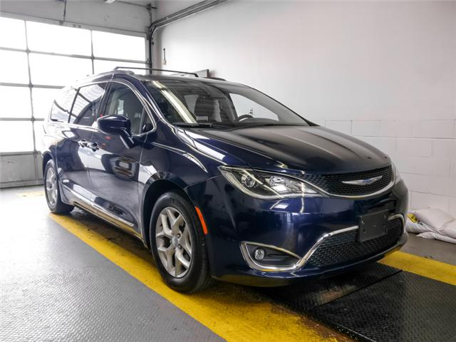 2018 Chrysler Pacifica Touring-L Plus (Stk: X-6084-0) in Burnaby - Image 2 of 24