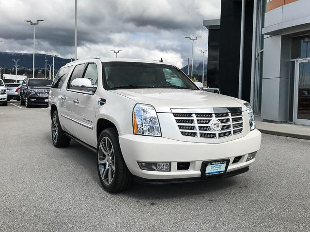 2011 Cadillac Escalade ESV Base (Stk: 971621) in North Vancouver - Image 2 of 26
