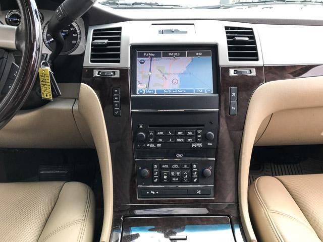 2011 Cadillac Escalade ESV Base (Stk: 971621) in North Vancouver - Image 21 of 26