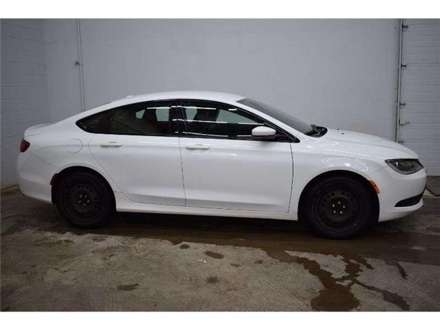 2015 Chrysler 200 S AWD - BACKUP CAM * HTD SEATS * HTD STEERING (Stk: B3604) in Cornwall - Image 1 of 30