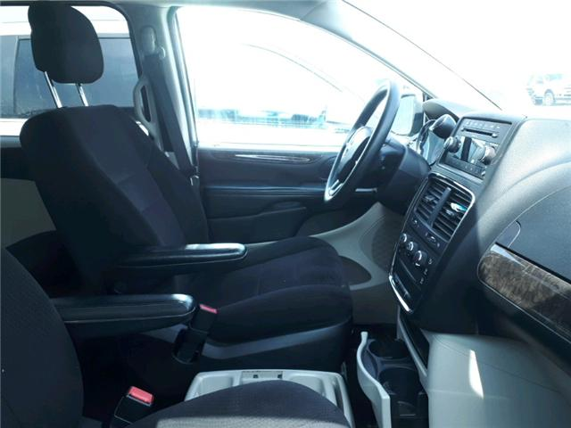 2011 Dodge Grand Caravan SE/SXT (Stk: BR740813) in Sarnia - Image 2 of 3
