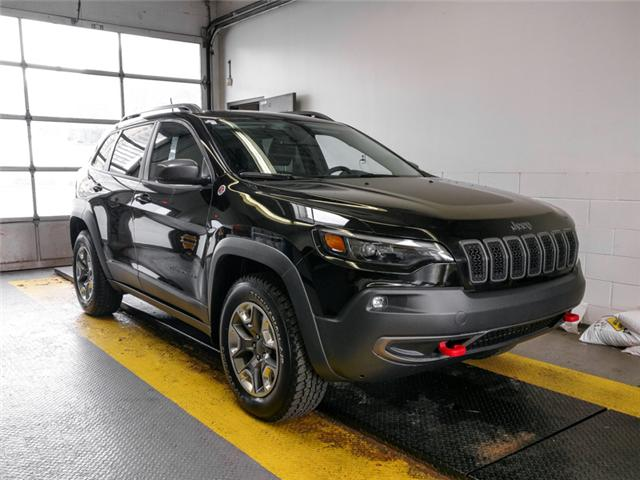 2019 Jeep Cherokee Trailhawk (Stk: X-6085-0) in Burnaby - Image 2 of 25