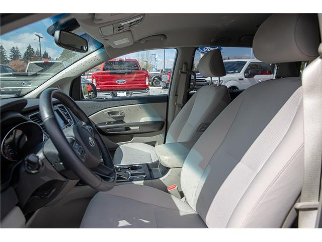 2019 Kia Sedona LX (Stk: P5735) in Surrey - Image 10 of 25