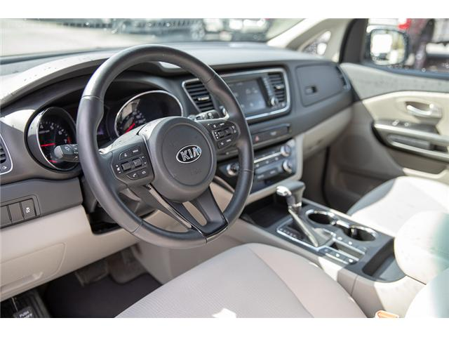 2019 Kia Sedona LX (Stk: P5735) in Surrey - Image 11 of 25