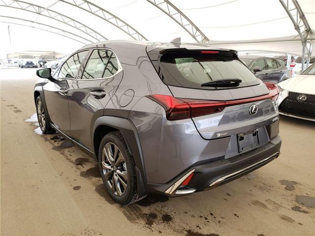 2019 Lexus UX 200 Base (Stk: L19346) in Calgary - Image 3 of 5