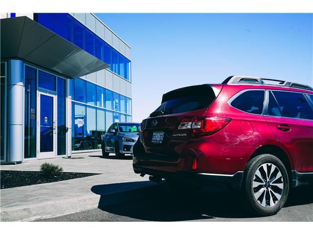 2016 Subaru Outback 2.5i Limited Package (Stk: 14641AS) in Thunder Bay - Image 3 of 9