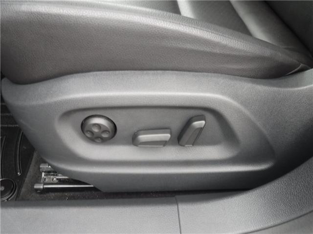 2017 Volkswagen Tiguan Comfortline (Stk: ST1680) in Calgary - Image 11 of 29