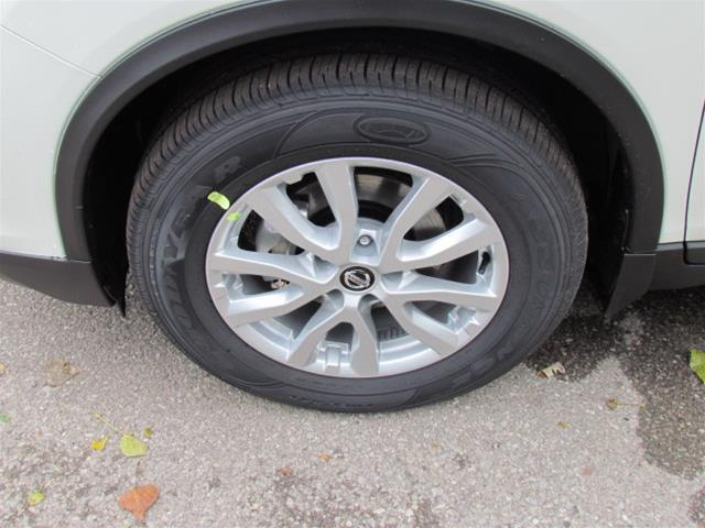 2019 Nissan Rogue SV (Stk: RY19R110) in Richmond Hill - Image 2 of 5