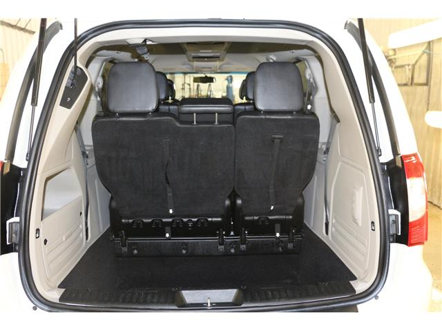 2011 Chrysler Town & Country Touring w/Leather (Stk: KP006) in Rocky Mountain House - Image 10 of 29