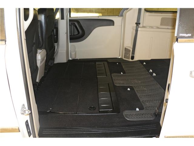 2011 Chrysler Town & Country Touring w/Leather (Stk: KP006) in Rocky Mountain House - Image 16 of 29