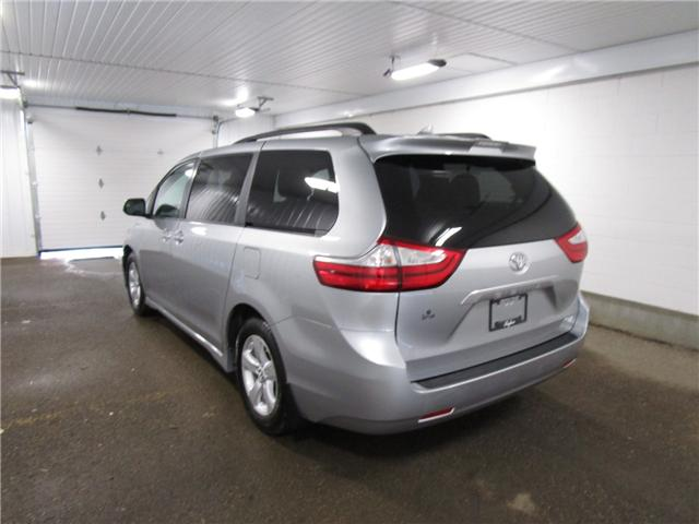 2019 Toyota Sienna LE 8-Passenger (Stk: F170635 ) in Regina - Image 10 of 33