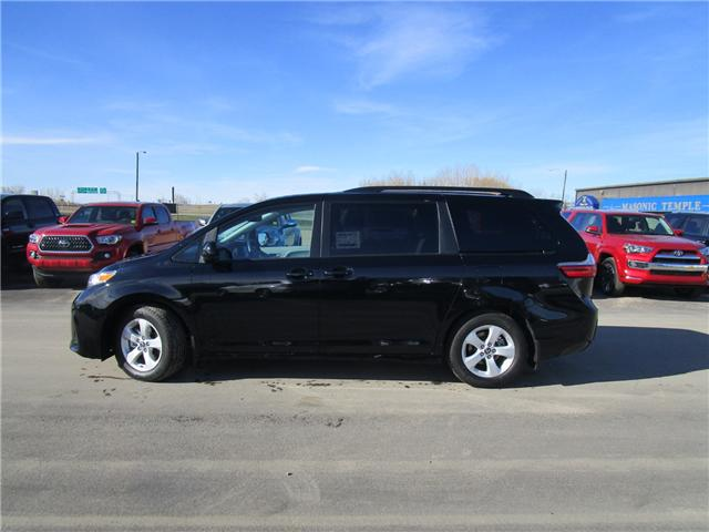 2019 Toyota Sienna LE 8-Passenger (Stk: 199115) in Moose Jaw - Image 2 of 35