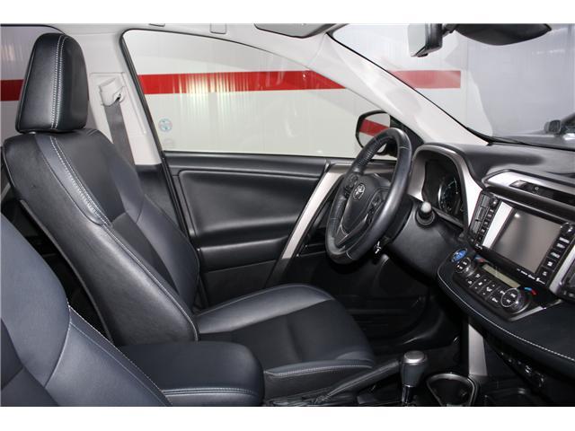2018 Toyota RAV4 Hybrid Limited (Stk: 297945S) in Markham - Image 17 of 27