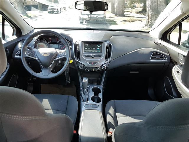 2017 Chevrolet Cruze LT Auto (Stk: N2931) in Calgary - Image 2 of 27