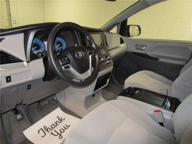 2019 Toyota Sienna LE 8-Passenger (Stk: F170627) in Regina - Image 16 of 35