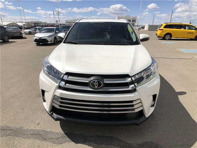 2017 Toyota Highlander  (Stk: 294028) in Calgary - Image 2 of 19