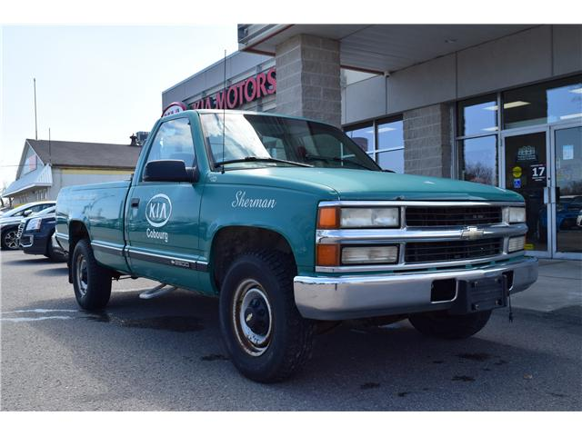 2000 Chevrolet C2500 Base (Stk: ) in Cobourg - Image 1 of 12