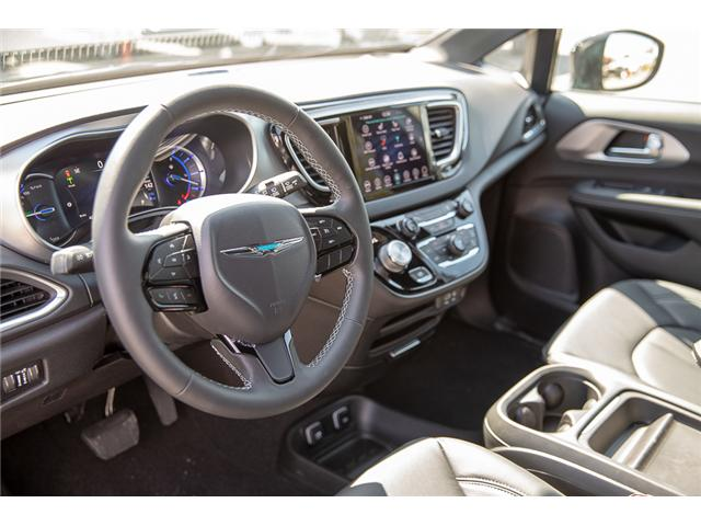 2019 Chrysler Pacifica Hybrid Touring-L (Stk: K653567) in Surrey - Image 10 of 27