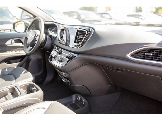 2019 Chrysler Pacifica Hybrid Touring-L (Stk: K653567) in Surrey - Image 17 of 27