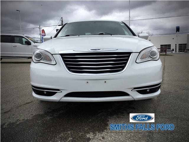 2013 Chrysler 200 LX (Stk: 18739A) in Smiths Falls - Image 2 of 7