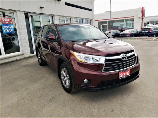2016 Toyota Highlander LE (Stk: P02596) in Timmins - Image 2 of 11