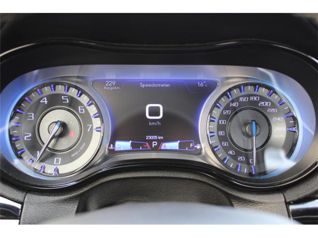 2018 Chrysler 300 S (Stk: H195610) in Courtenay - Image 10 of 30
