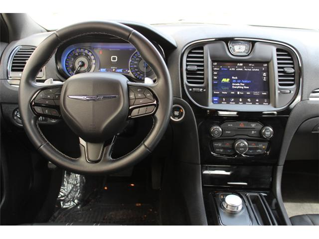 2018 Chrysler 300 S (Stk: H195610) in Courtenay - Image 13 of 30
